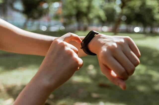 7 Reasons Why One Should Buy A Fitness Tracker